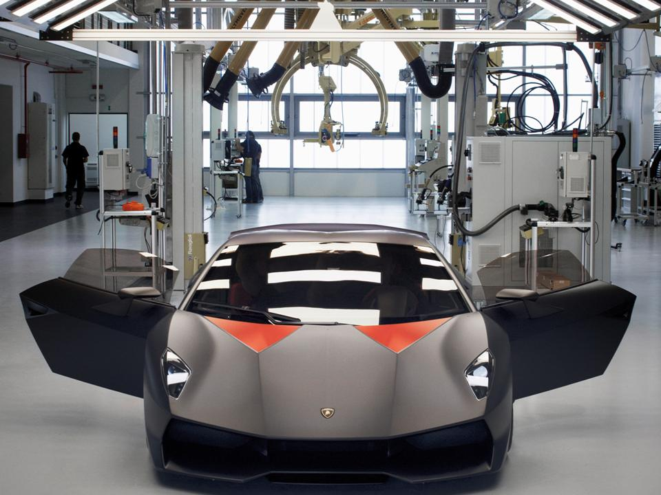 The Lamborghini Sesto Elemento Is Another Extreme Exercise In Design  Superiority. This Unique Automobile Went Into Production In 2013 And Was  Produced At An ...