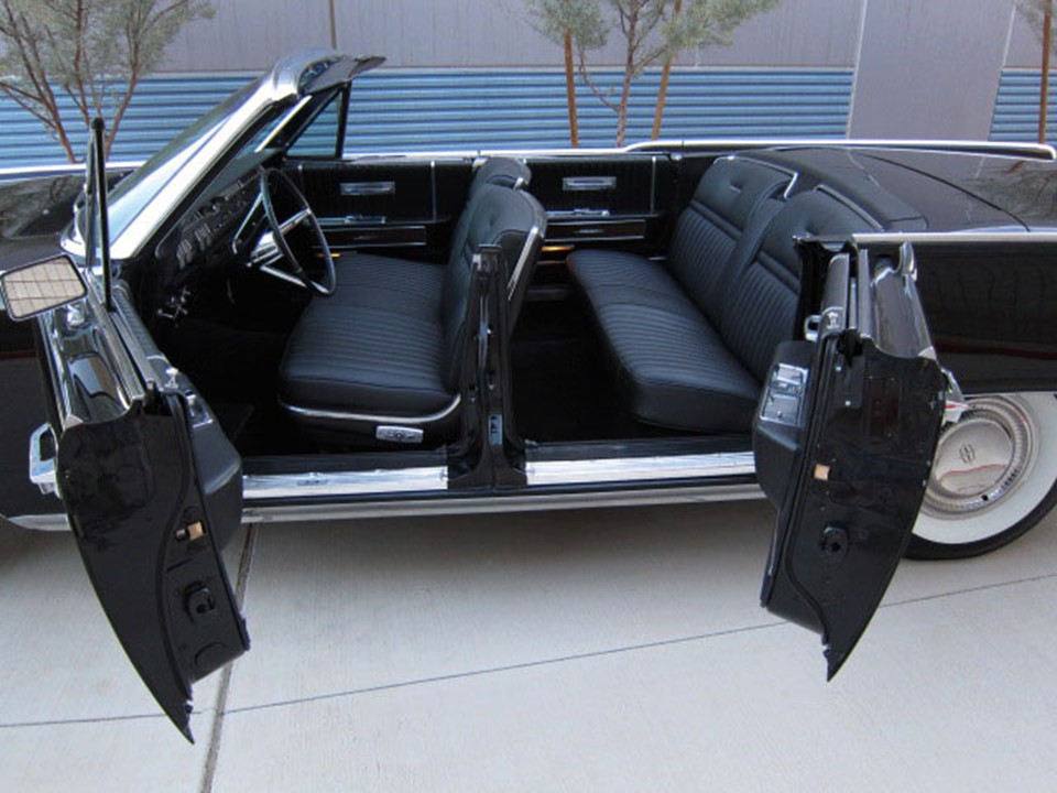 requiem for a legend the lincoln continental notoriousluxury. Black Bedroom Furniture Sets. Home Design Ideas