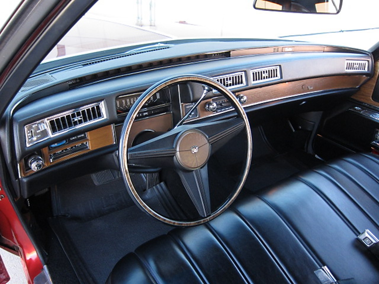 1975 Cadillac Calais Coupe Notoriousluxury