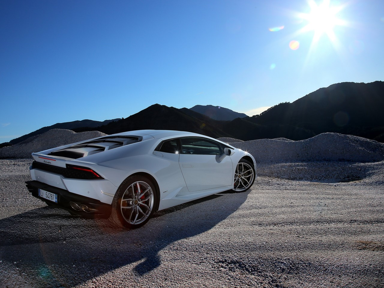 Lamborghini Is The First Italian Supercar To Use All Wheel Drive And Was  Introduced To The World In 1993 By The Diablo VT. All Wheel Drive Optimizes  ...