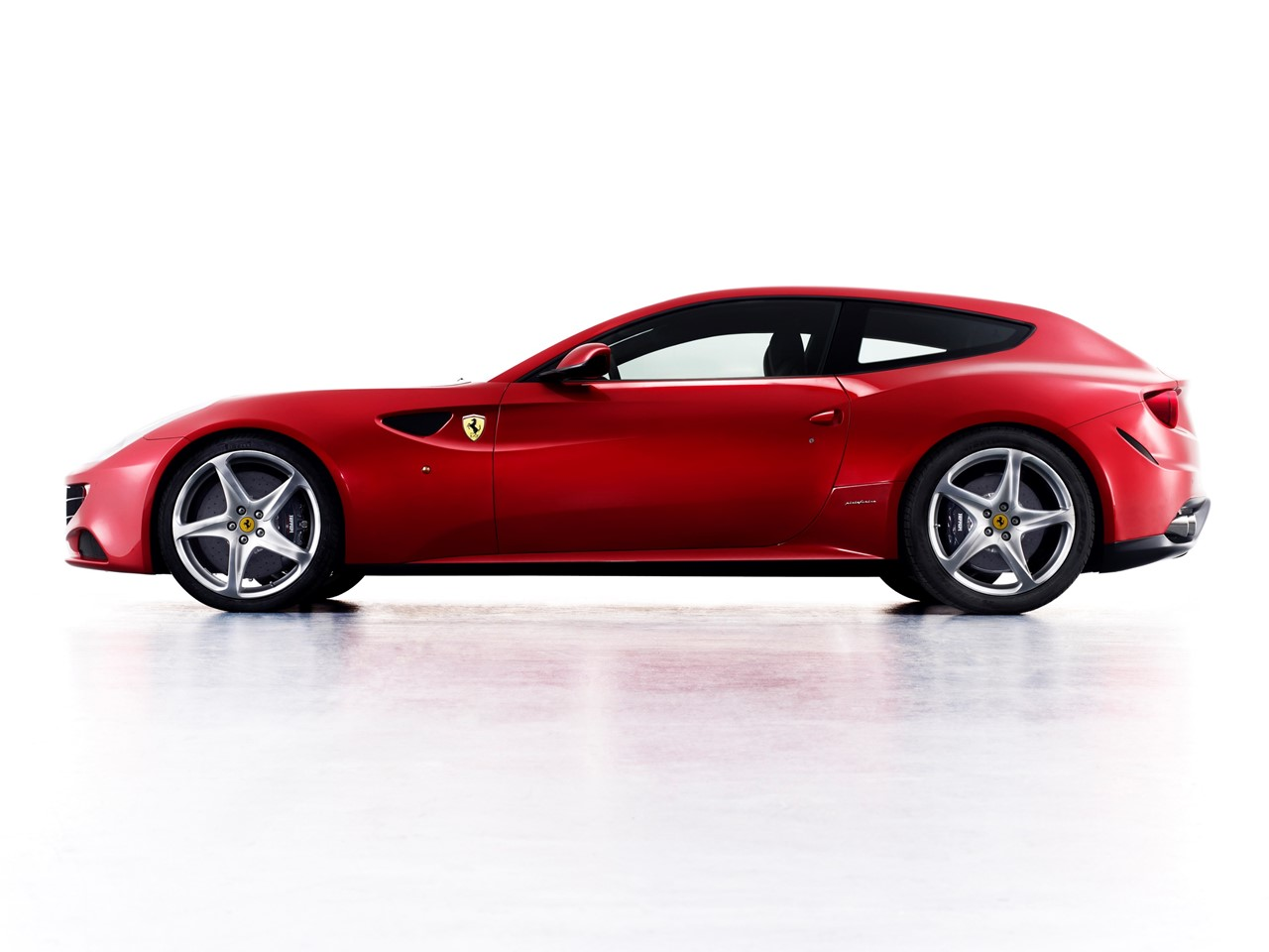 2015 ferrari ff: a prancing horse of a different breed