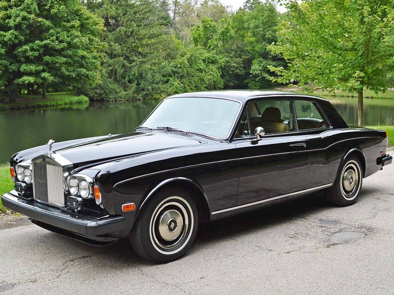 1974 rolls royce corniche coachbuilt fixedhead coup notoriousluxury. Black Bedroom Furniture Sets. Home Design Ideas