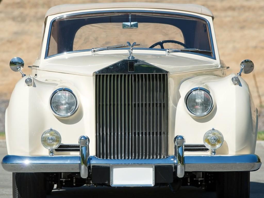 1959 Silver Cloud II Mulliner Drophead 9