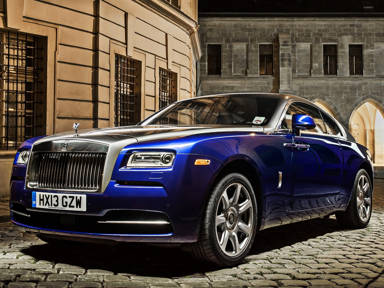 hyper luxury 2015 rolls royce wraith notoriousluxury. Black Bedroom Furniture Sets. Home Design Ideas