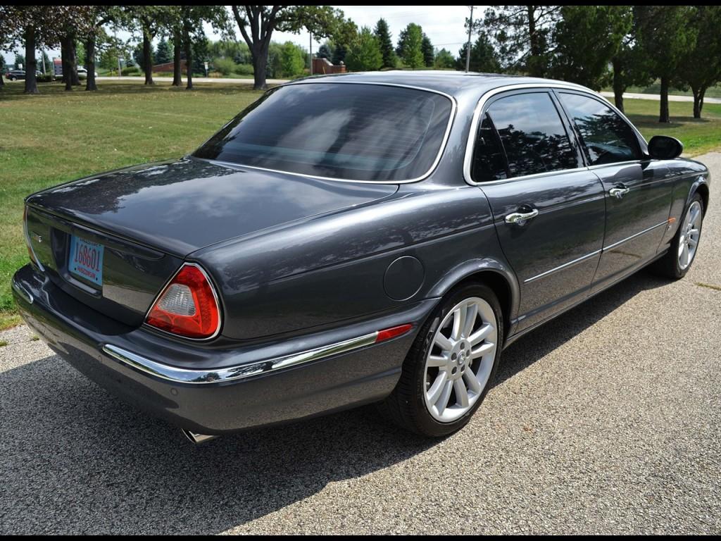 2004 XJR Jaguar 2