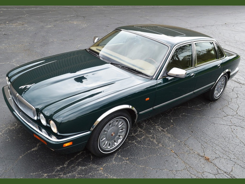 Jaguar Vanden Plas Grace Space And Pace Notoriousluxury 1996 Xj6 It Appears As Docile A Domestic Pet But Tap The Accelerator Pedal Becomes Relentless Its Namesake Formidable