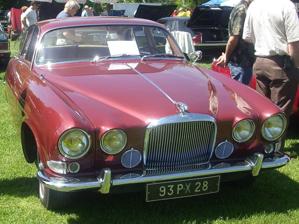 Jaguar MK X 2