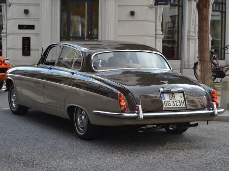 Jaguar MK X 3