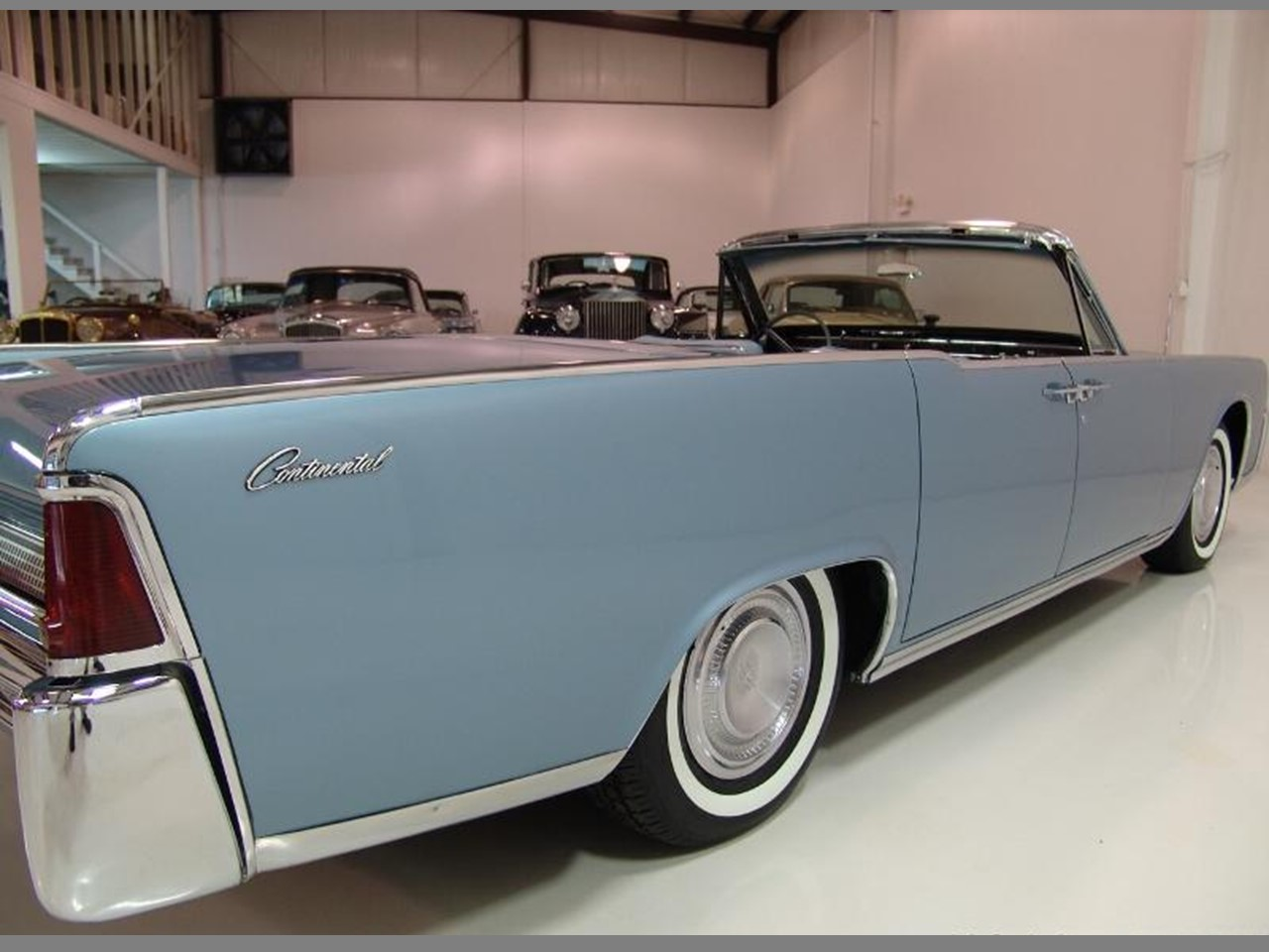 flashback 1964 continental convertible notoriousluxury. Black Bedroom Furniture Sets. Home Design Ideas