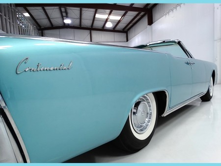 1961 lincoln continental notoriousluxury. Black Bedroom Furniture Sets. Home Design Ideas