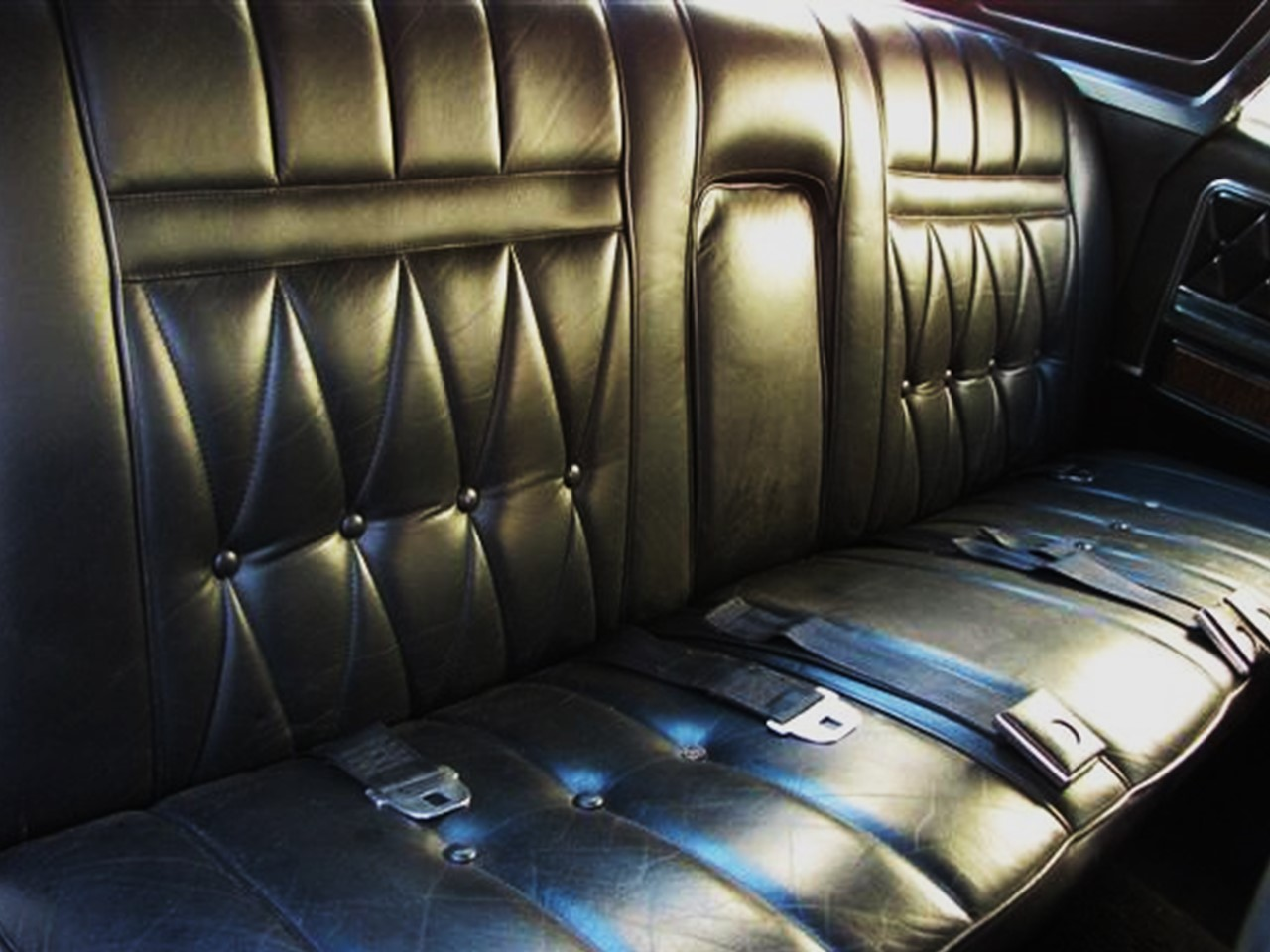 retrospect 1968 lincoln continental sedan notoriousluxury. Black Bedroom Furniture Sets. Home Design Ideas