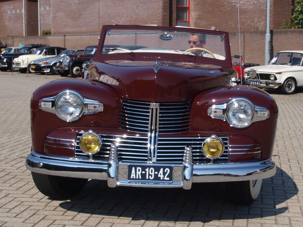 1942 2