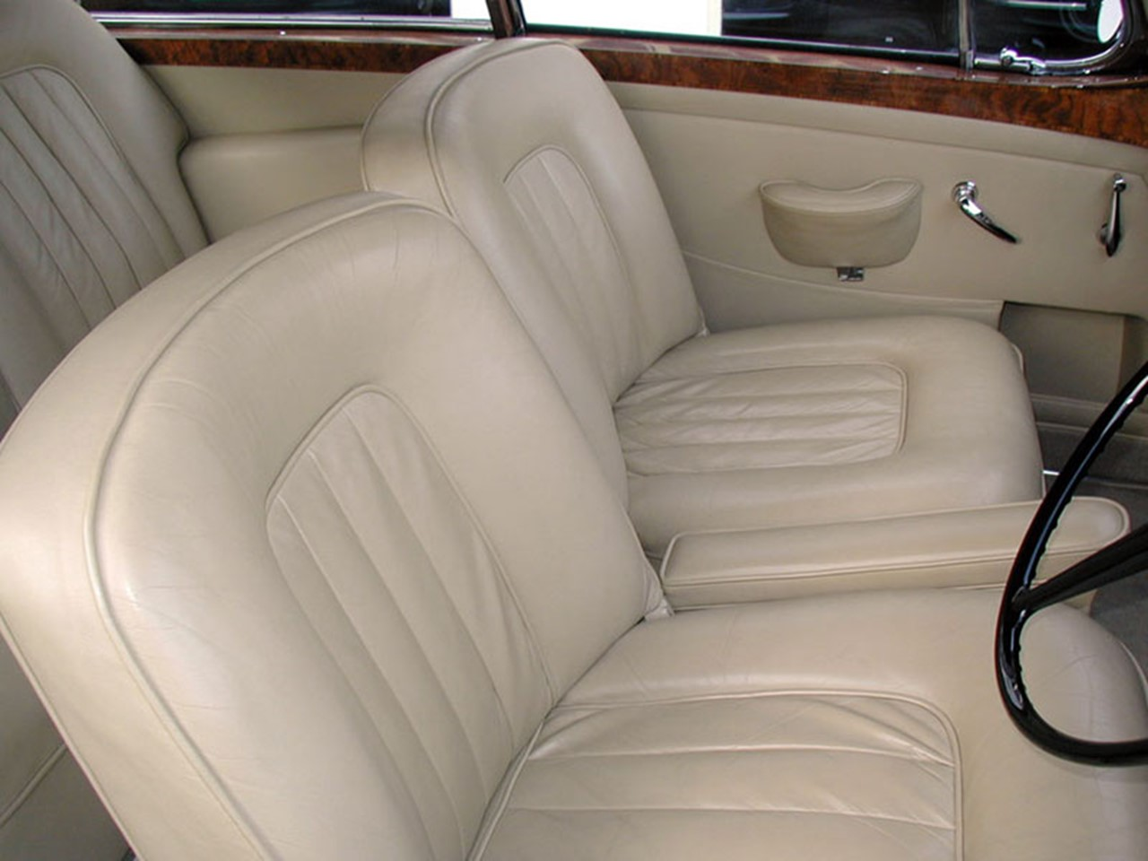 1960 Bentley S2 HJ Mulliner Coupe 5