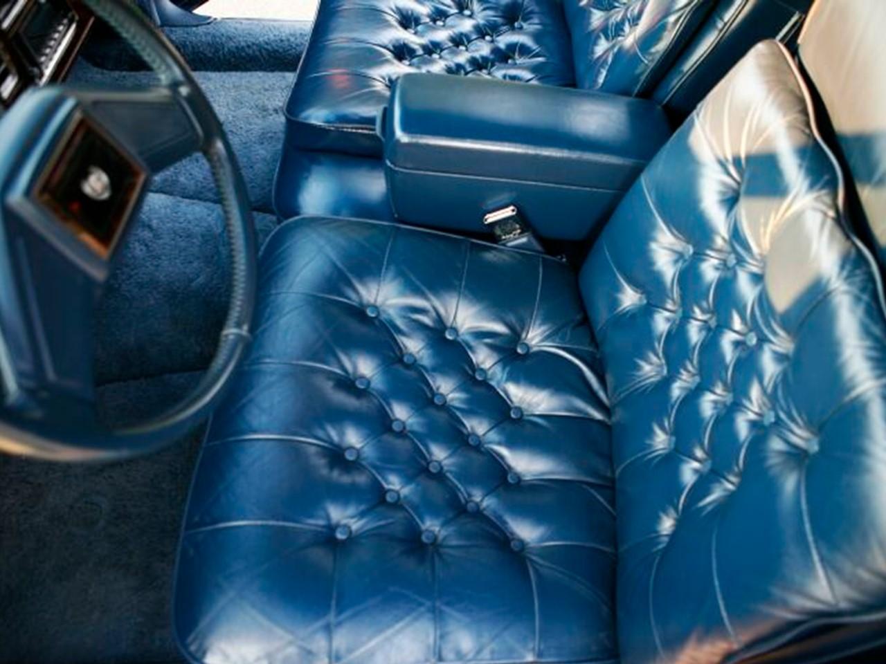 1990 Brougham d'Elegance interior 2