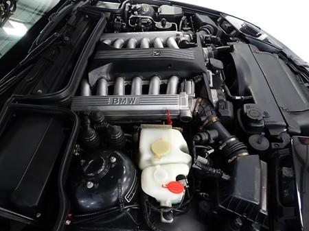 5.4 litre V12 4