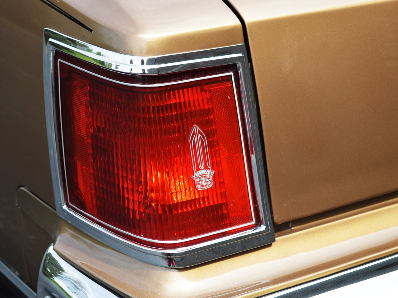 1976 Cadillac Seville 10