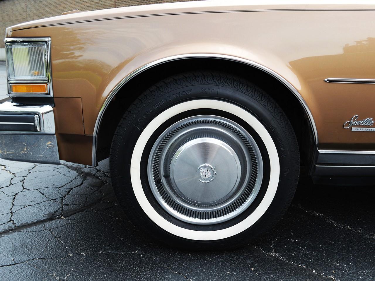 1976 Cadillac Seville 16