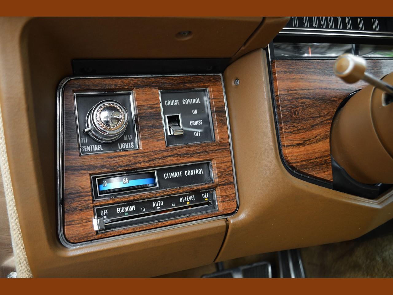 1976 Cadillac Seville 31