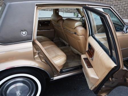 1976 Cadillac Seville 33