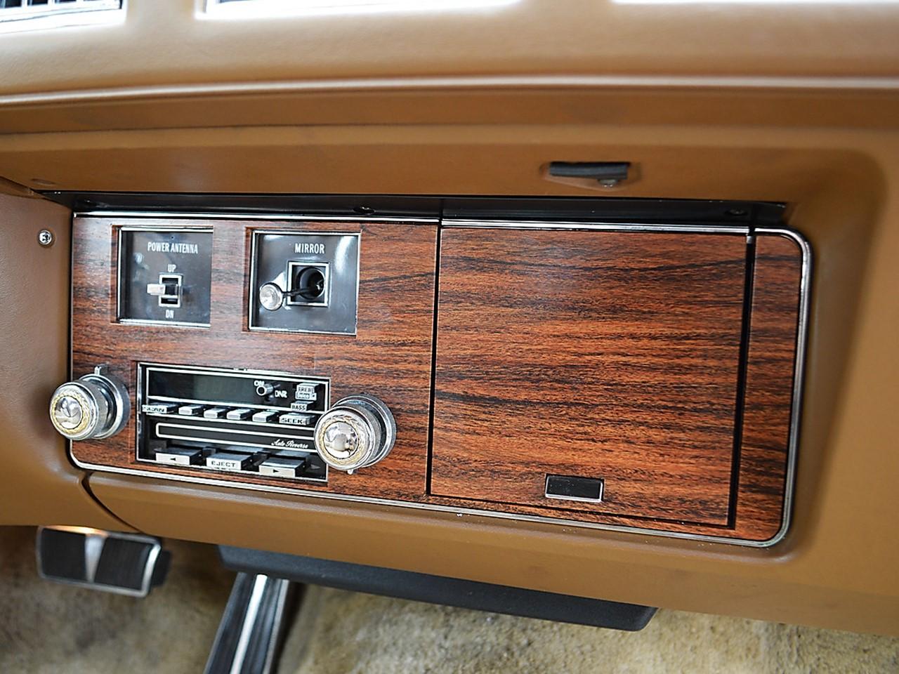 1976 Cadillac Seville 36