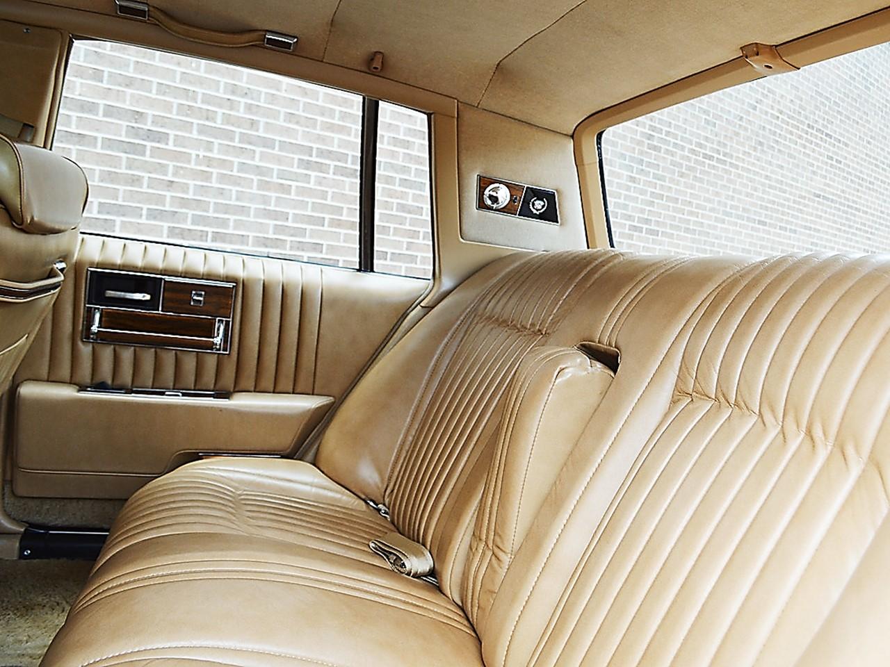 1976 Cadillac Seville 38