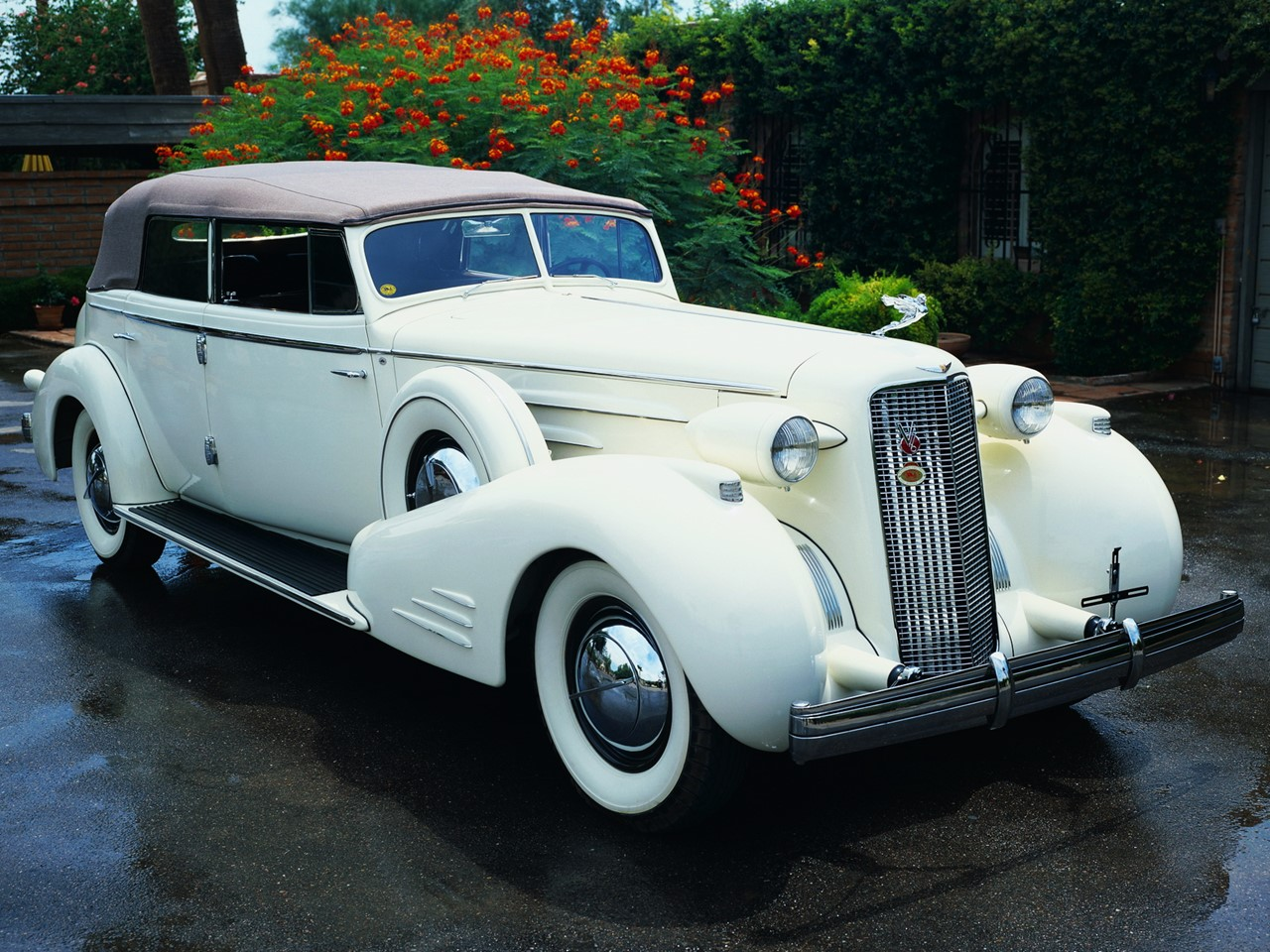 1936 Cadillac V16 Series 90 Town Cabriolet