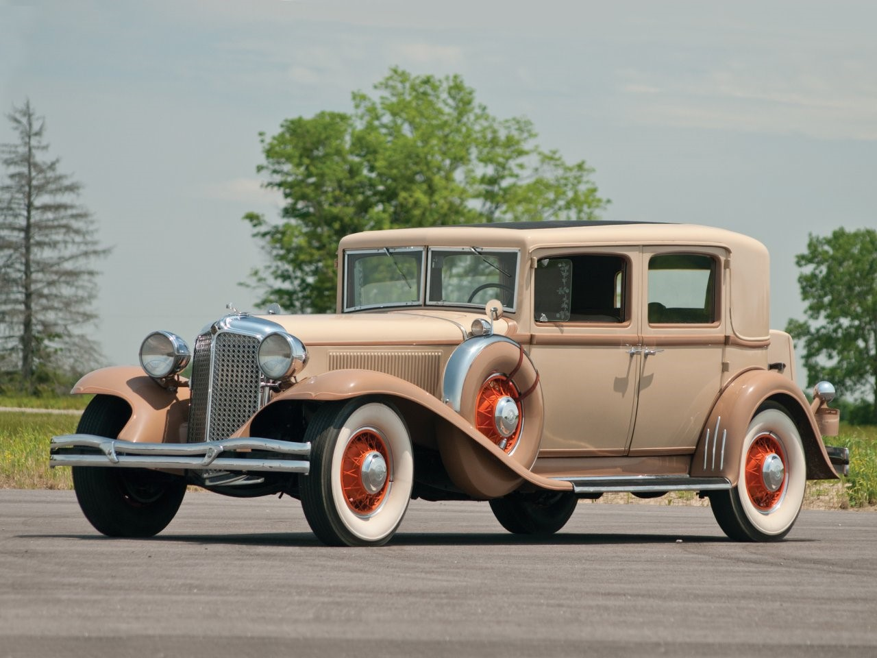 1931 Chrysler Imperial sedan 1