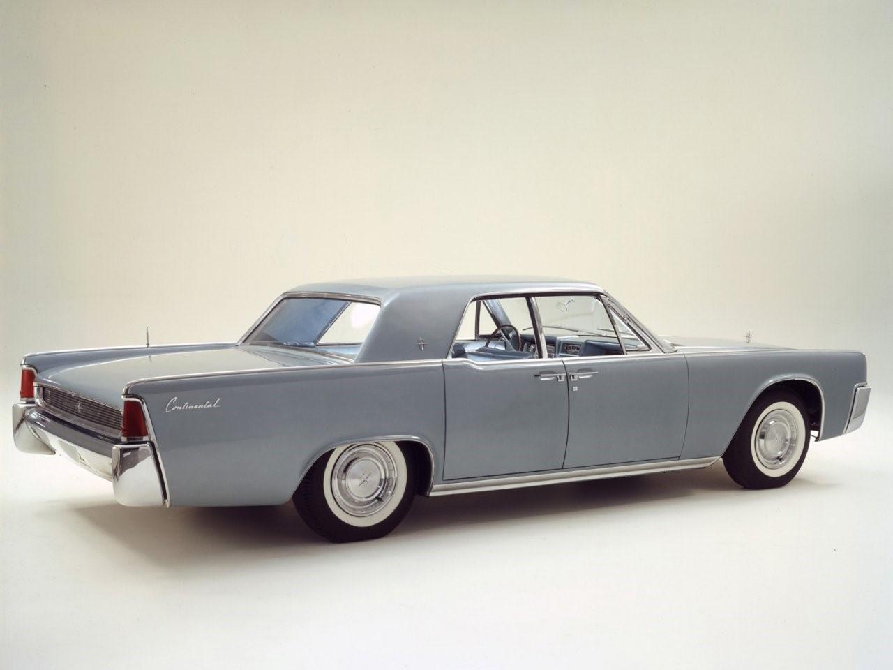 1961 Lincoln Continental 2