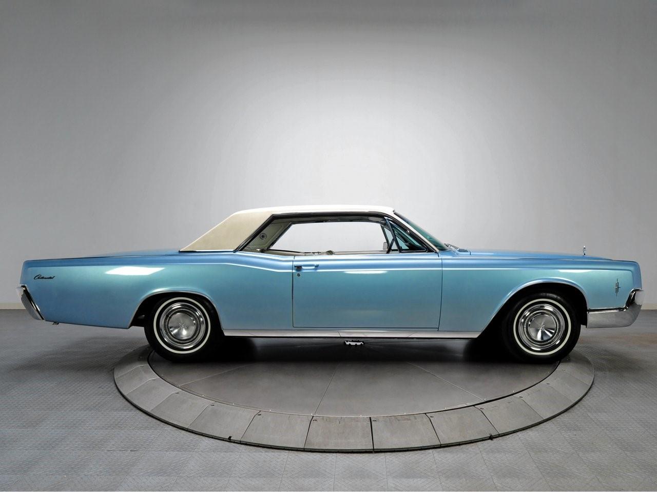 1966 Lincoln Continental 3