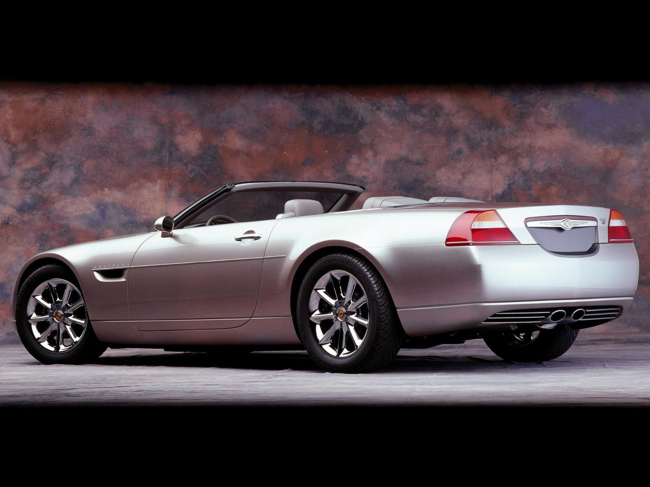 2000 Chrysler 300C concept 5