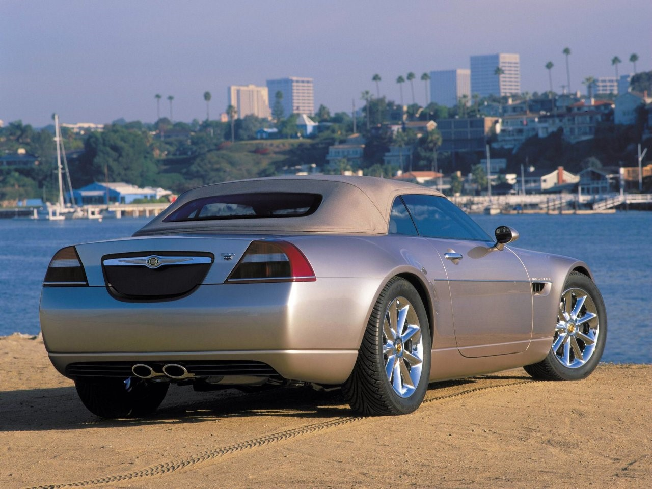 2000 Chrysler 300C concept 6