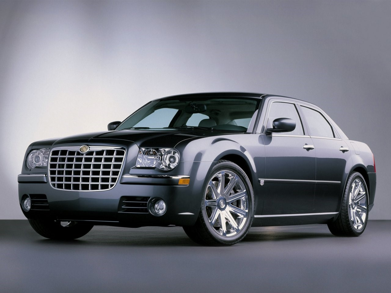 2003 Chrysler 300C concept 2