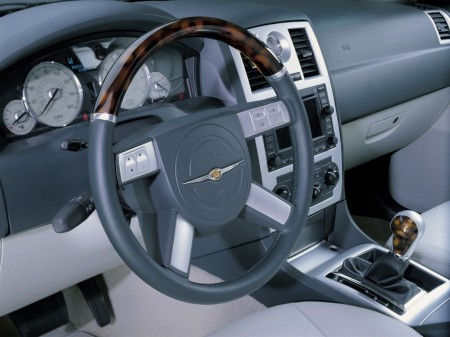 2003 Chrysler 300C concept 3