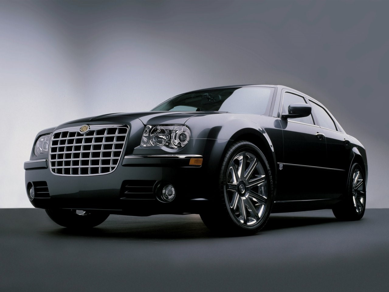 2003 Chrysler 300C concept 6