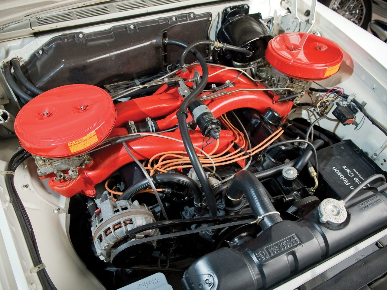 6.8 litre Wedge-head V8 1