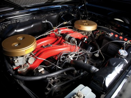 6.8 litre Wedge-head V8 3