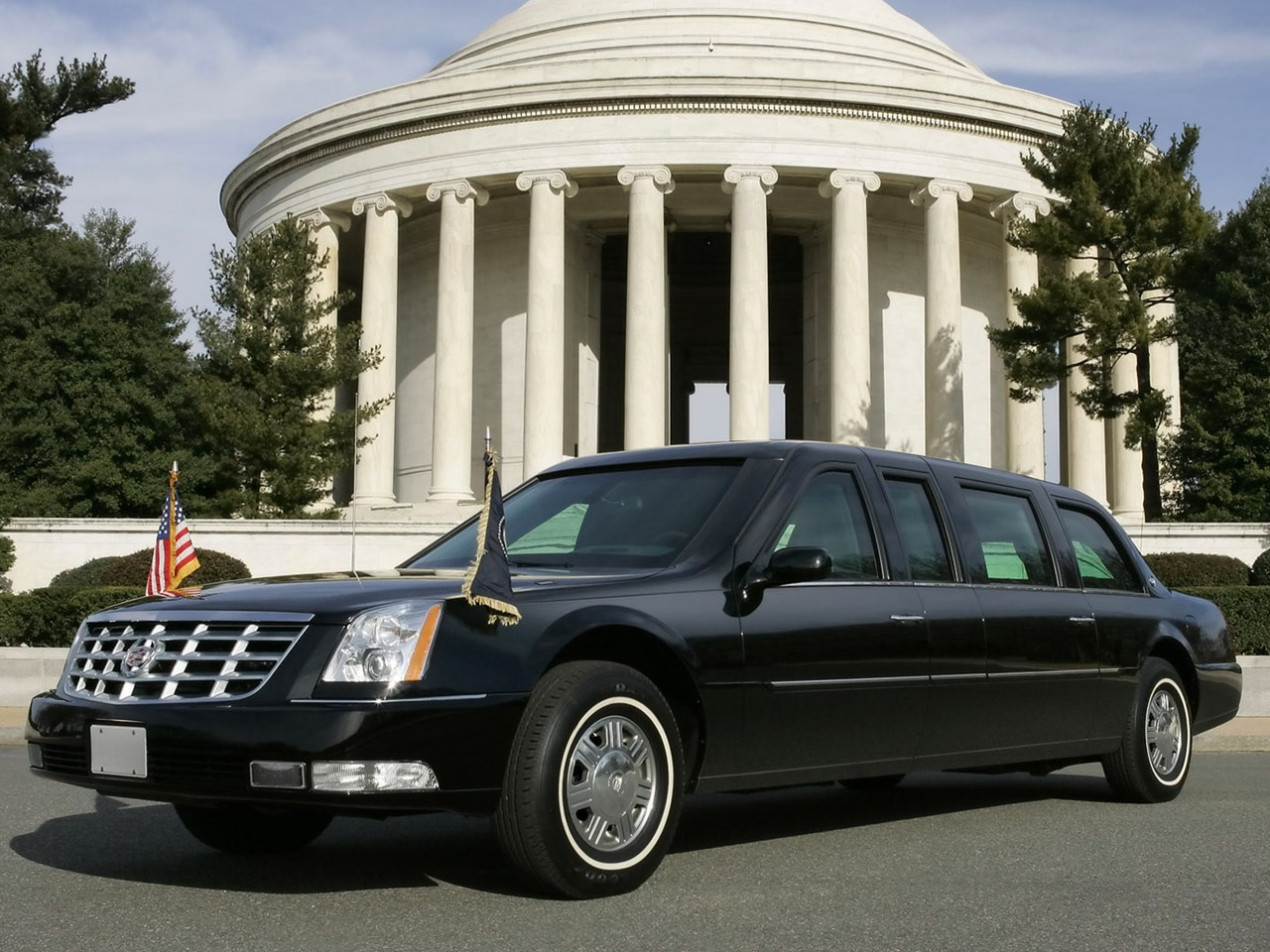 2006 DTS Presidential Limousine 3