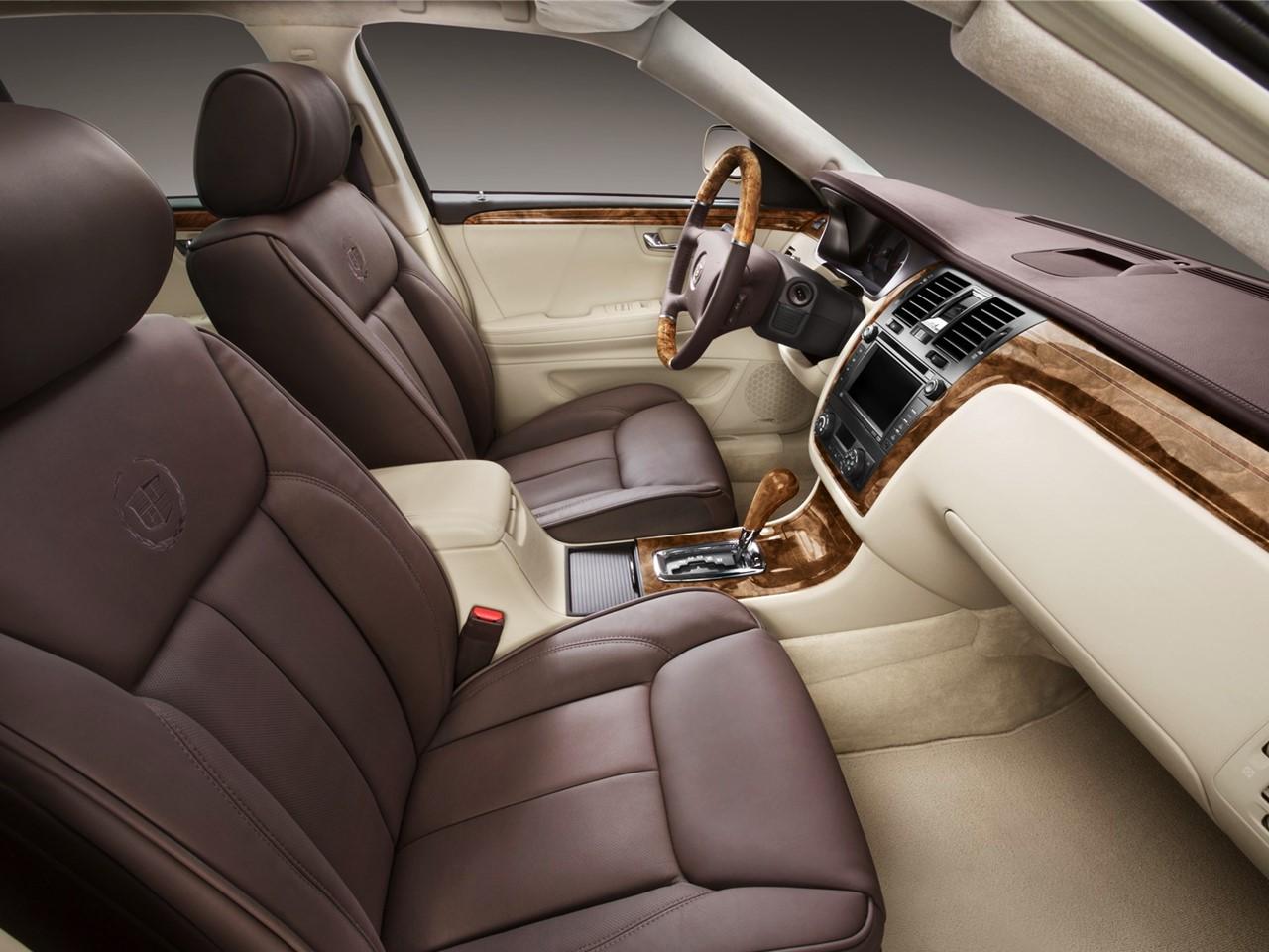 2011 Cadillac DTS 3