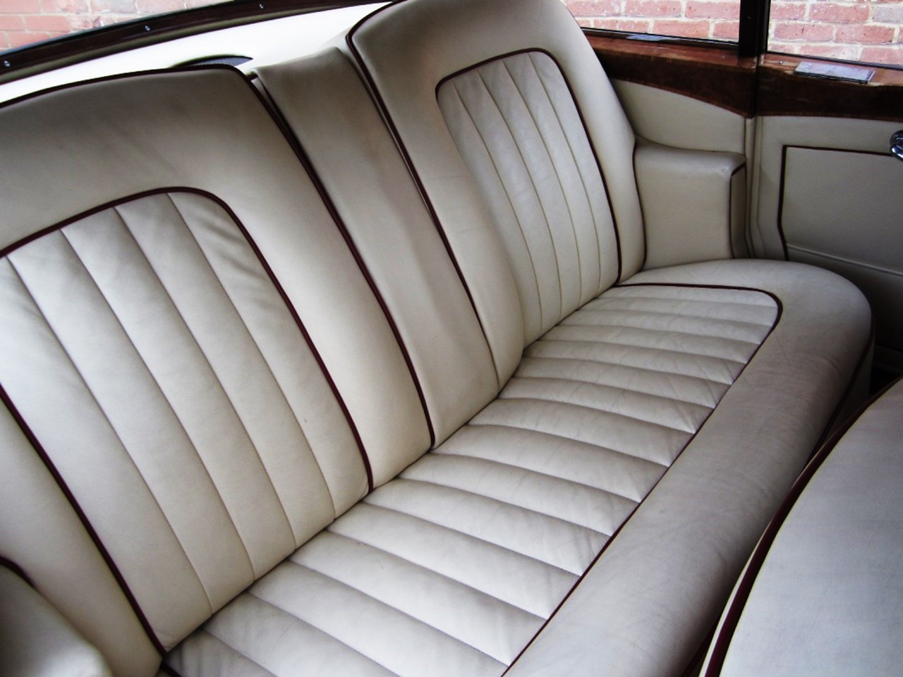 1965 Silver Cloud III Mulliner Flying Spur 6