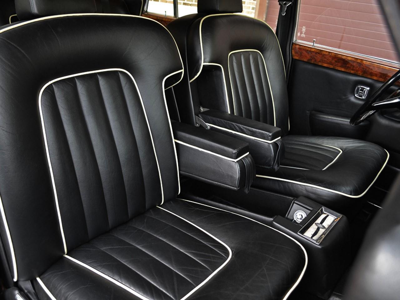 1980 Silver Wraith II 4-dooe saloon 12