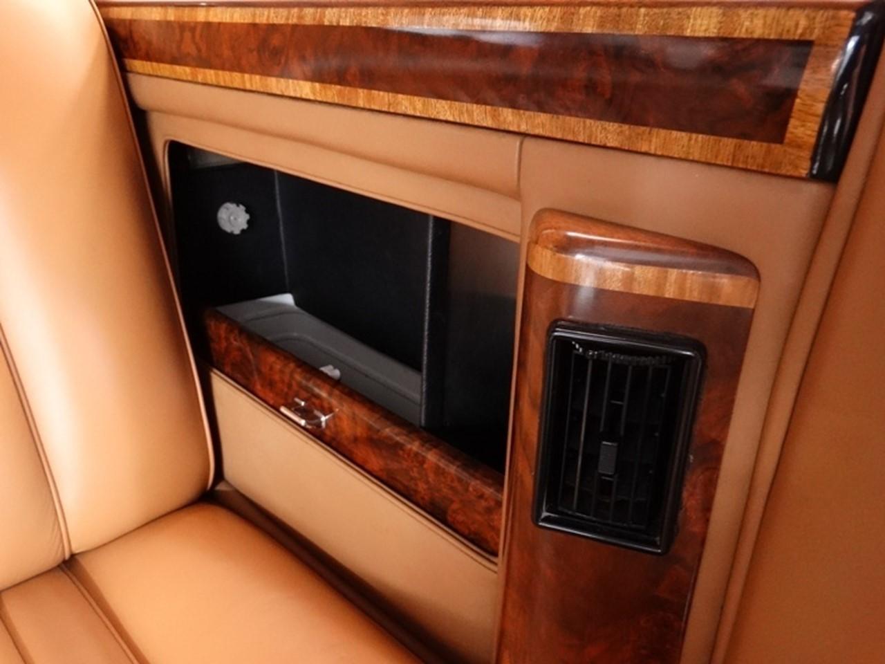 1986 Silver Spur limousine 5