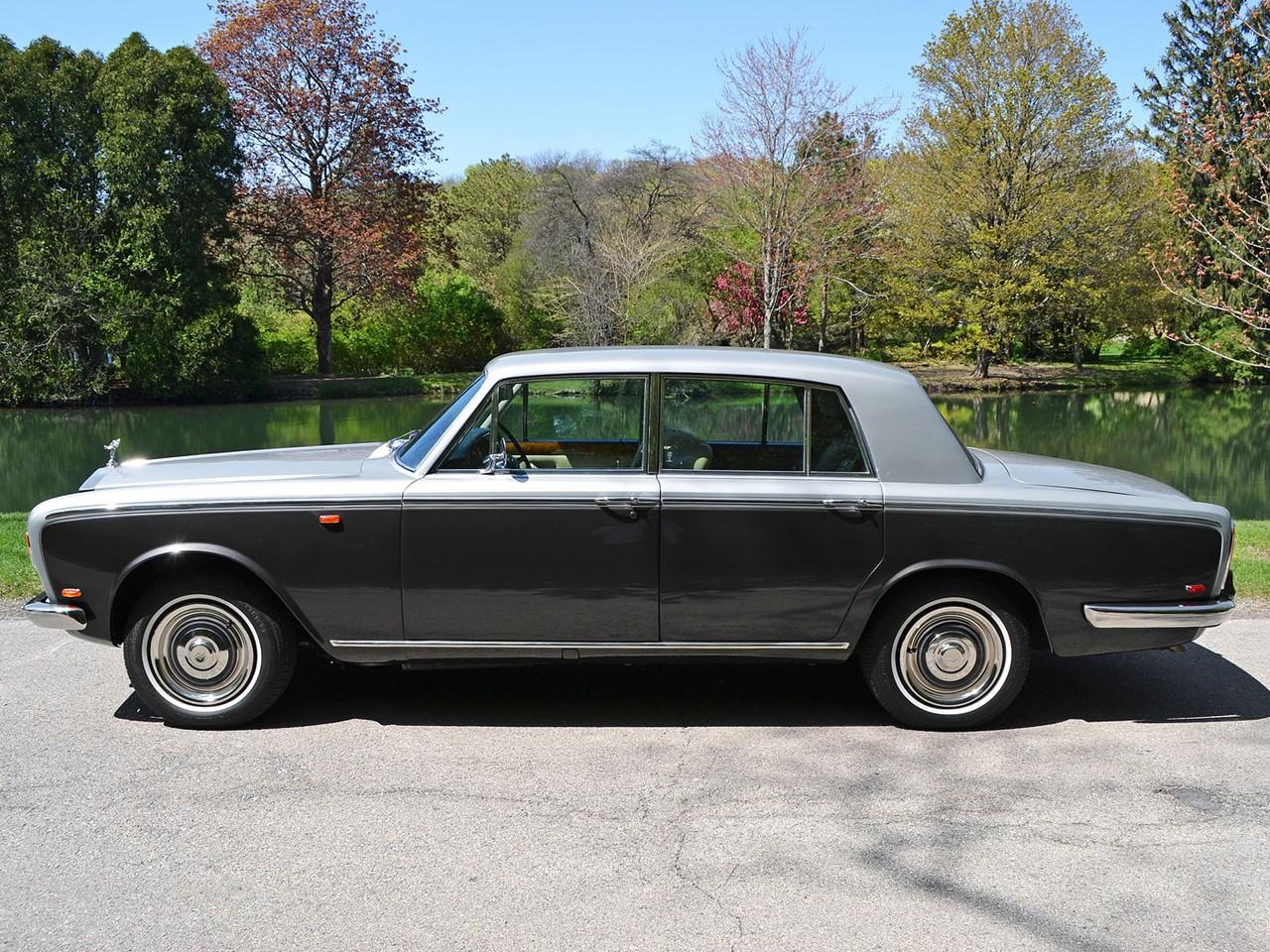 1969 Silver Shadow 32