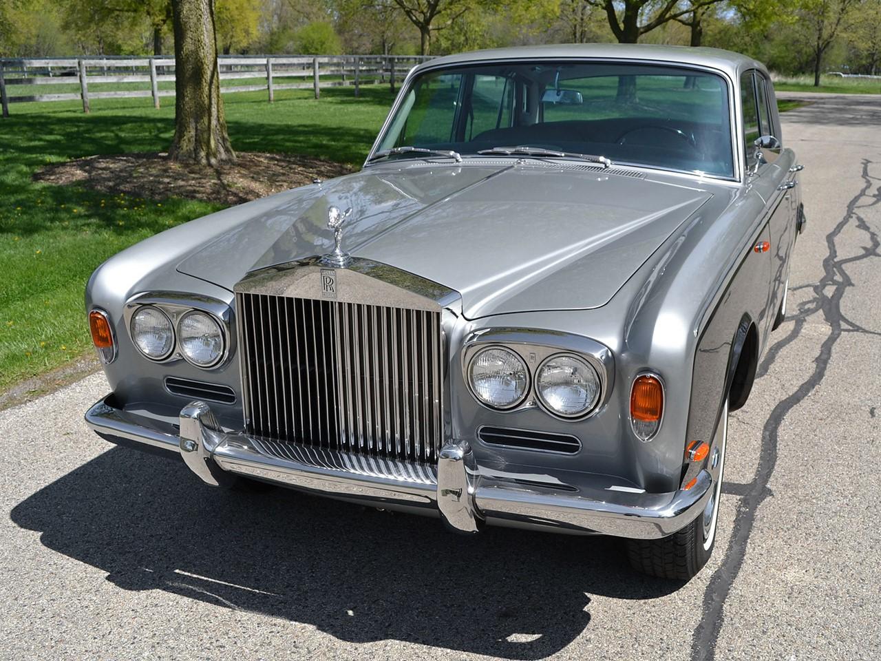 1969 Silver Shadow 38