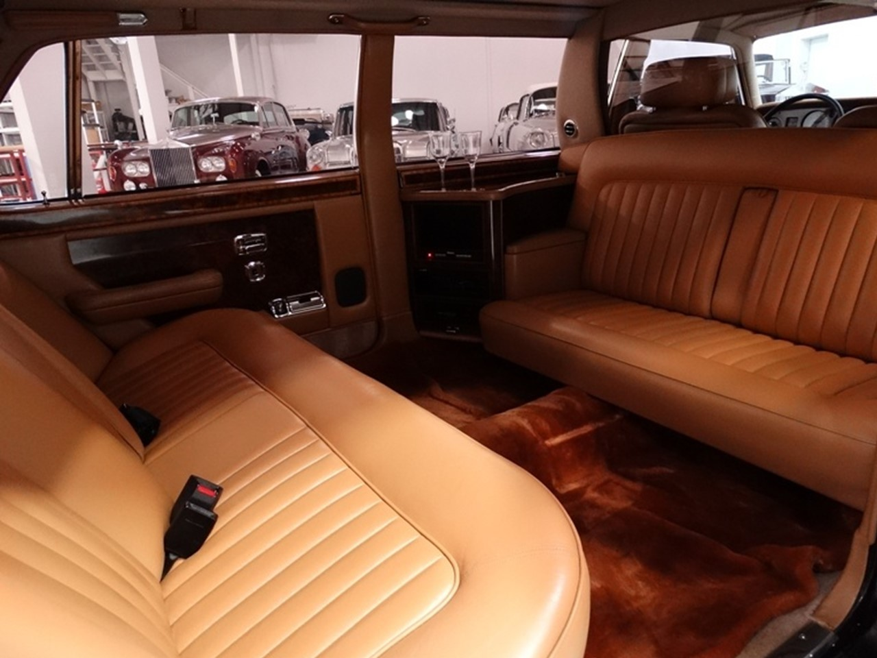 1986 Silver Spur factory limousine 10