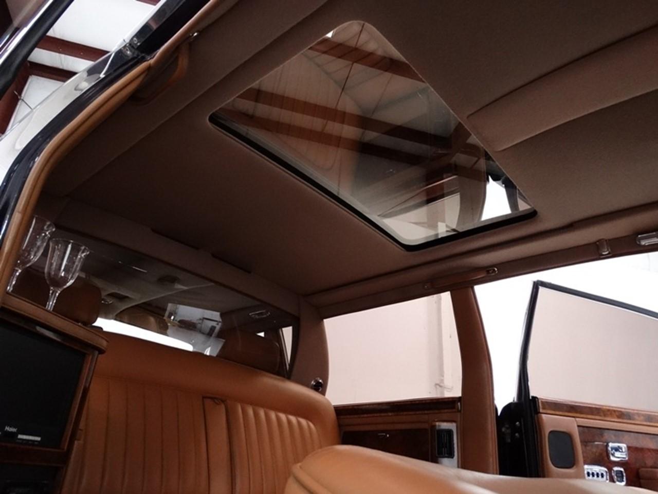 1986 Silver Spur factory limousine 11