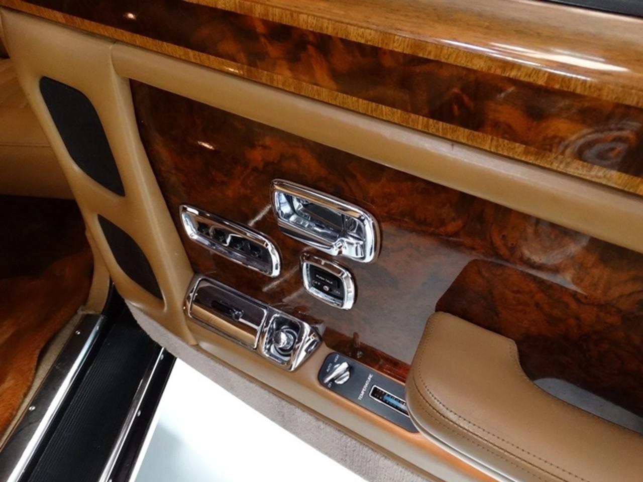 1986 Silver Spur factory limousine 13
