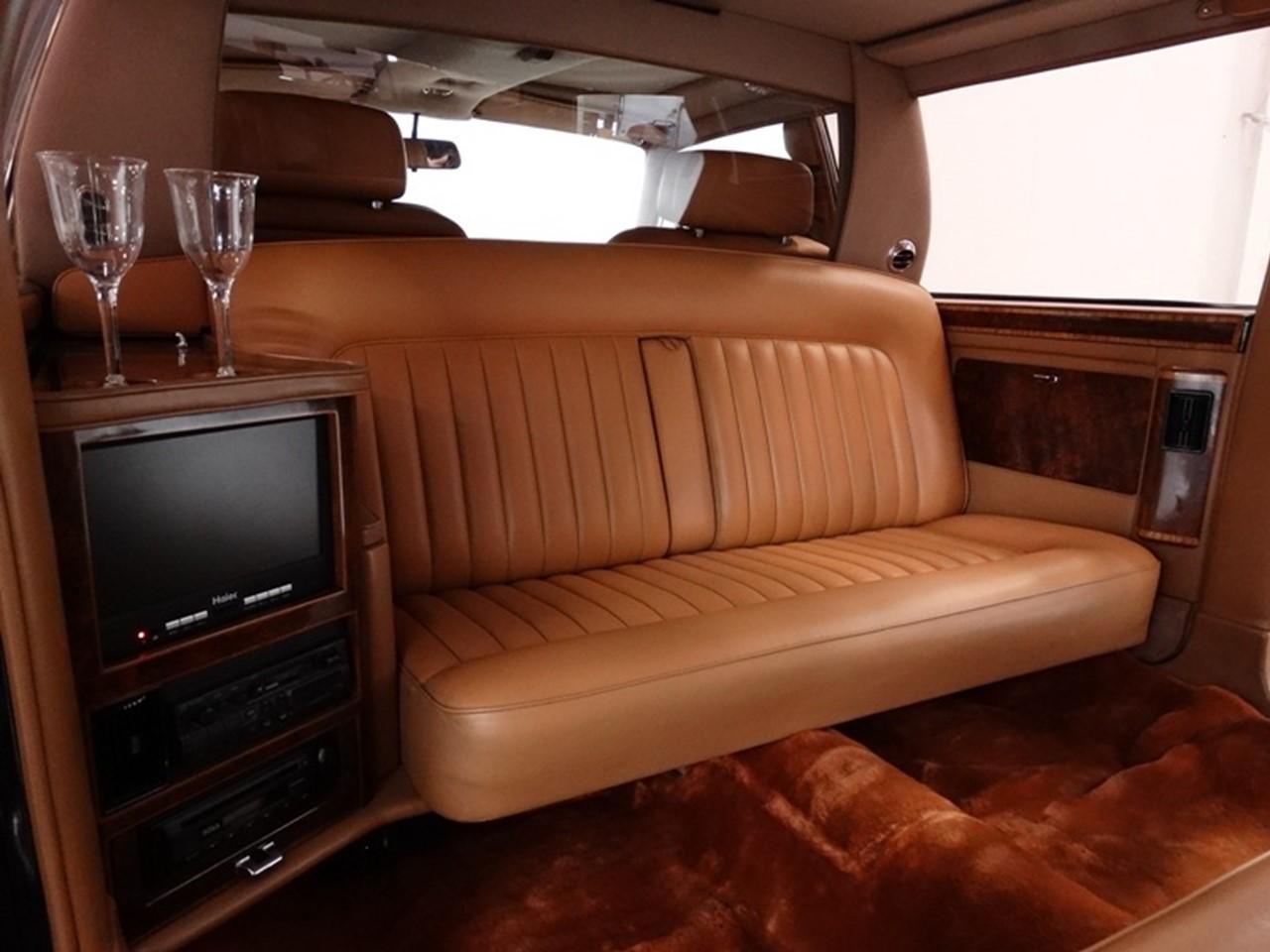 1986 Silver Spur factory limousine 9