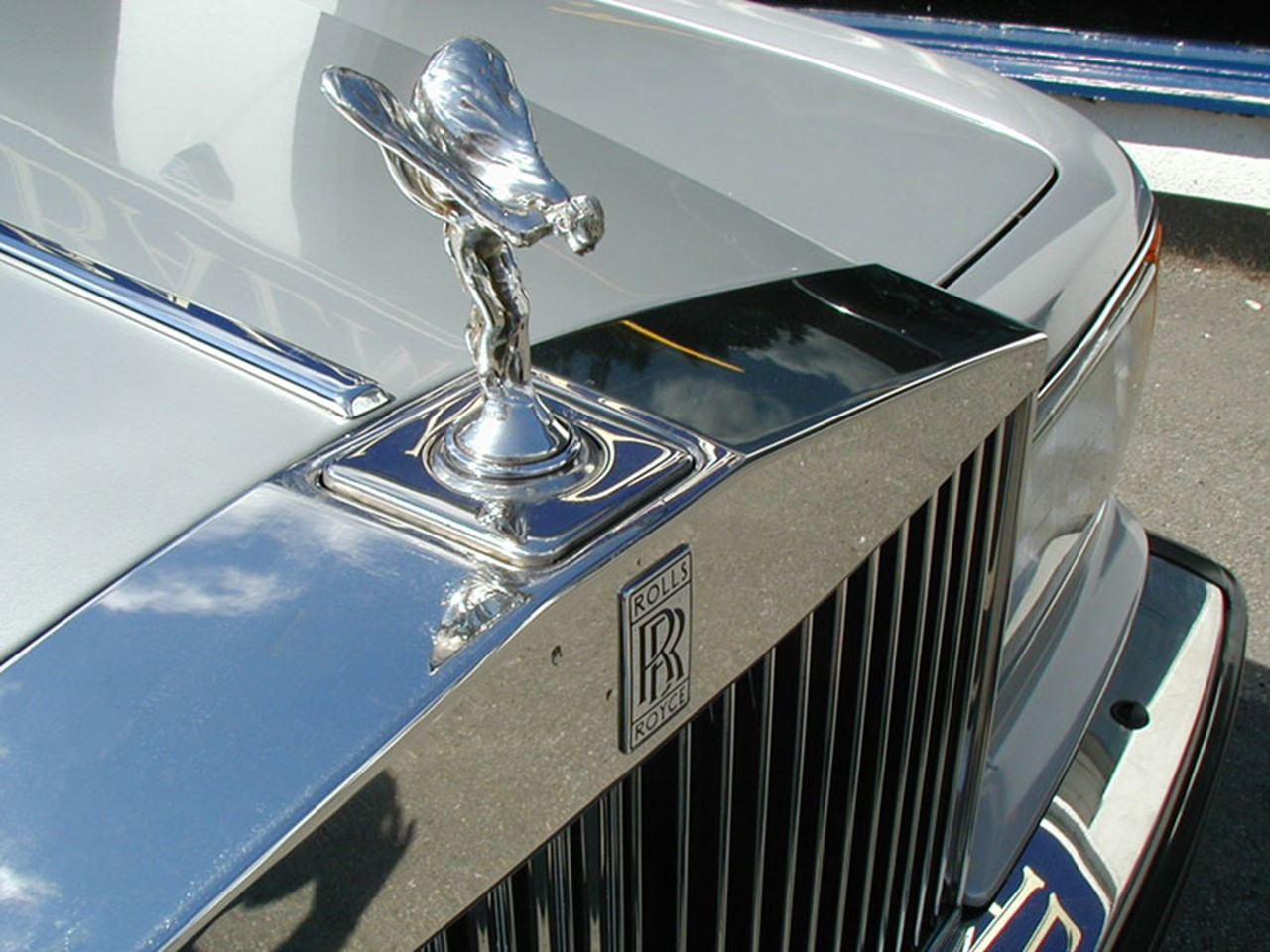 1990 Silver Spirit II 7