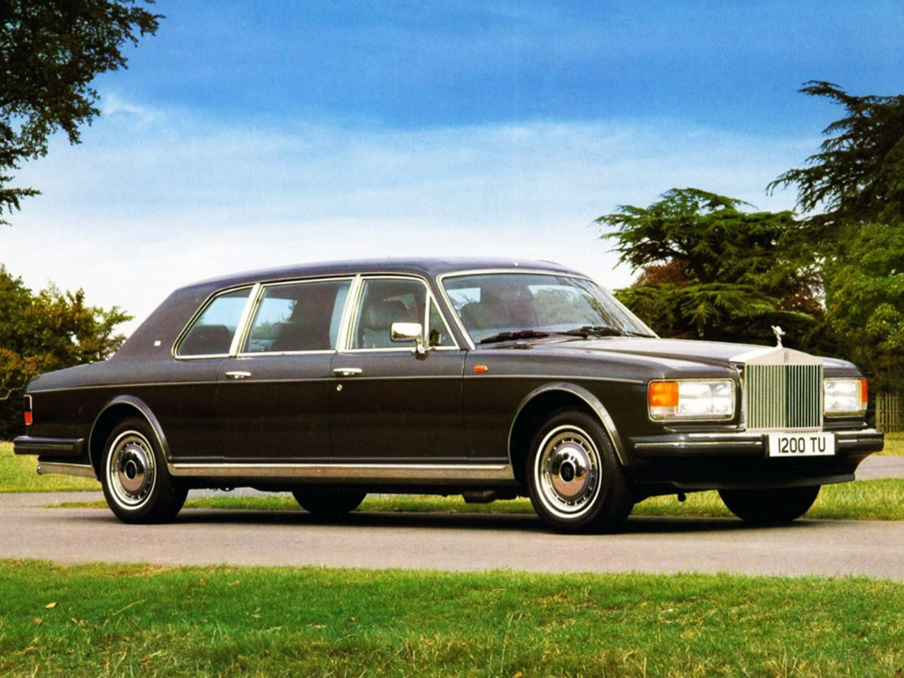 The rolls royce park ward limousine and the rolls royce silver spur park ward limousines are elegant hand built motorcars that not only offer a 24 extended