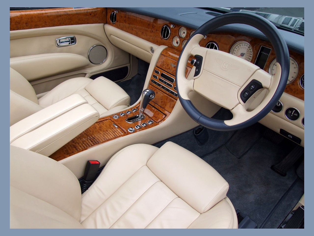 Bentley Azure 2